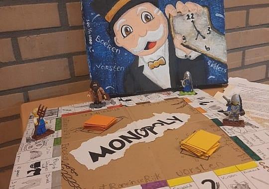 Bijzondere les: Leerlingen spelen met zelfgemaakte bordspellen