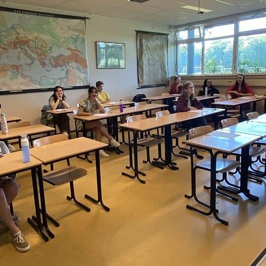 Leerlingen van het Gymnasium Felisenum doen DELF Scolaire examen